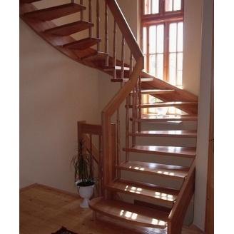 Изготовление деревянной лестницы на тетивах