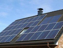 Украинец зарабатывает €1,5 тыс в год на домашней солнечной станции!