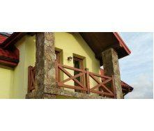 Деревянное балконное ограждение в голландском стиле