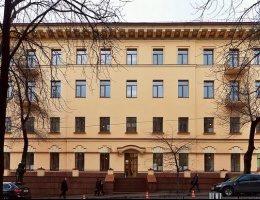 $500 000 в год: Как королева Великобритании зарабатывает на недвижимости в Киеве