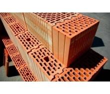 Кладка наружных стен из крупноразмерных керамических блоков