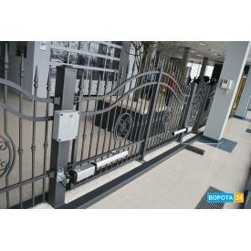 Распашные кованые ворота Вишневски с автоматикой BFT