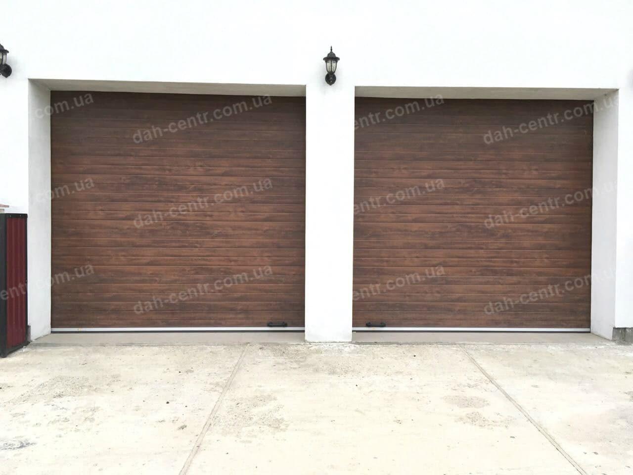Ворота гаражні секційні