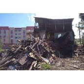 Демонтаж здания на участке