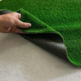 Искусственная газонная трава на резиновой основе зеленая для дома 7 мм на отрез в рулонах