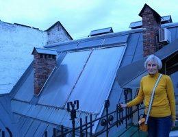 История жительницы Львова, которая подключила свою квартиру к солнечным батареям и ветряку