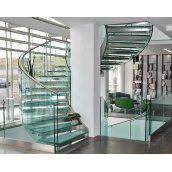 Устройство стеклянной лестницы