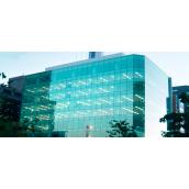 Влаштування спайдерного скління фасаду