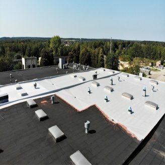Гідроізоляція плоского даху безшовною поліуретановою мастикою