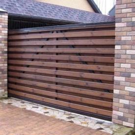 Деревянные откатные ворота для загородных домов под заказ