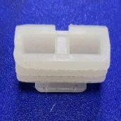 Фіксатор пластиковий для кріплення дверного наличника