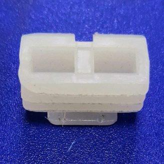 Фиксатор пластиковый для крепления дверного наличника