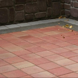 Тротуарная плитка Золотой Мандарин Квадрат большой 200х200х60 мм на сером цементе красный