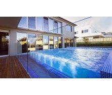 Скляне огородження для басейну