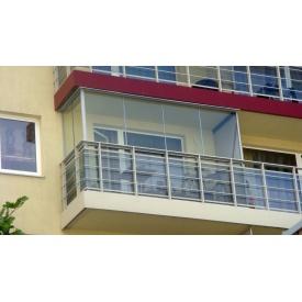 Безрамне скління балкона