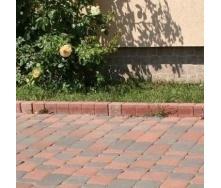 Стовпчик фігурний квадратний Золотий Мандарин 100х80х250 мм на сірому цементі персиковий
