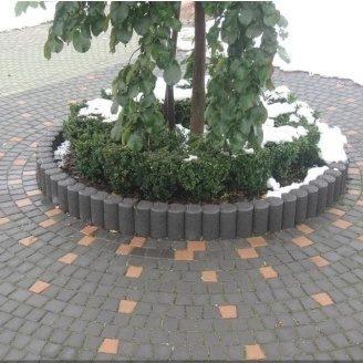Поребрик фигурный круглый Золотой Мандарин 500х80х250 мм на сером цементе черный