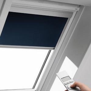 Затемнююча штора VELUX DML M10 з електроприводом 78х160 см