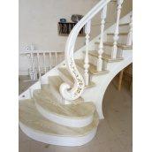 Виготовлення дубових сходів на косоурі