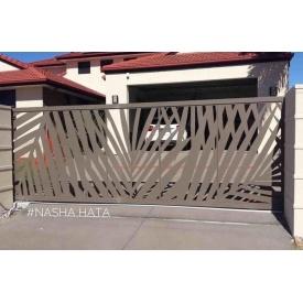 Откатные ворота Наша Хата VD7 с декоративной вставкой