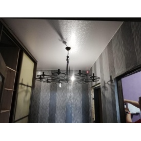 Фактурный одноуровневый натяжной потолок