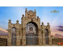 Ковані ворота розпашні закриті з хвіртками аркою і колонами