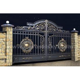 Кованые ворота new распашные открыты с литыми центрами