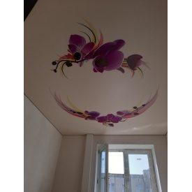 Натяжной потолок MultiБуд глянцевый разноцветный