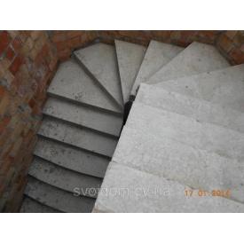Заливка бетонних гвинтових сходів