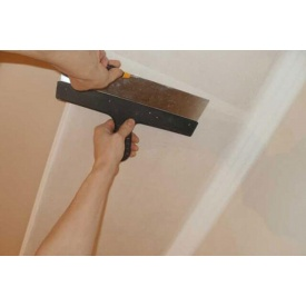 Поклейка стеклохолста на потолок
