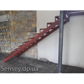 Сварной каркас для лестницы