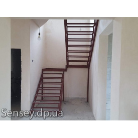 Чорнова металеві сходи