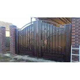 Ворота с профнастилом кованые упрочненные закрытые Legran