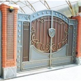 Ворота кованые с профнастилом Б0045 укреплены Legran