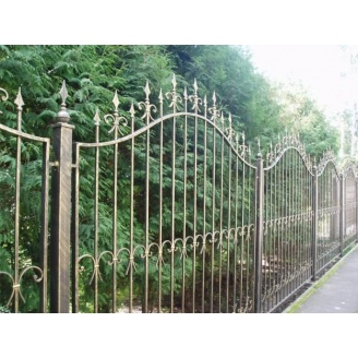 Кованая ограда для дома