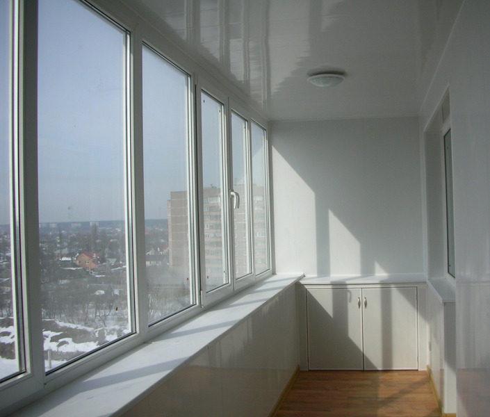 Скління балконів та лоджій
