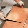 Укладка керамической плитки на пол и стены своими руками