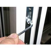 Регулювання фурнітури стулки вікна