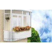 Скління балкона металопластиковим профілем REHAU