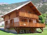 Деревянный дом с террасой фото