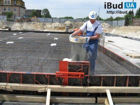Гідроізоляція низу плити фундаменту методом посипки