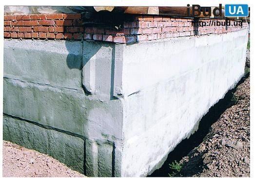 Гідроізоляція фундаменту з бетонних блоків