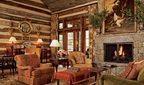 Інтер'єр заміського дерев'яного будинку