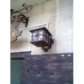 Кованый настенный фонарь