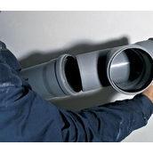 Монтаж пластикової труби каналізації 100 мм
