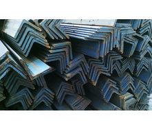 Уголок стальной горячекатаный 32х32х3 мм