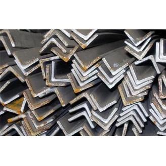 Уголок стальной горячекатаный 20х20х3 мм