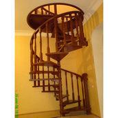 Сборка лестницы на косоуре