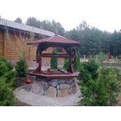 Садовый колодец из дерева