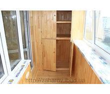 Внутрішня обшивка балкона дерев'яною вагонкою